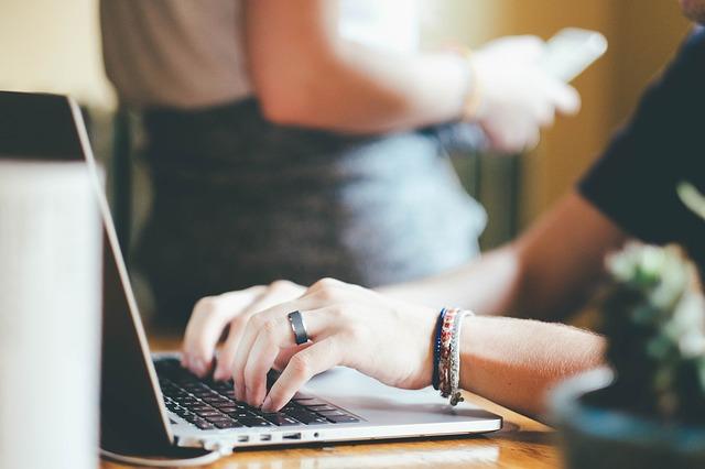 Banque en ligne 47 pourcent des usagers prêts à franchir le pas